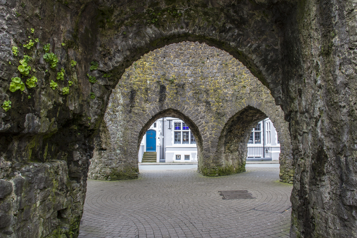 Five Arches Gateway in the city walls of Tenby in Pembrokeshire, Wales  6272