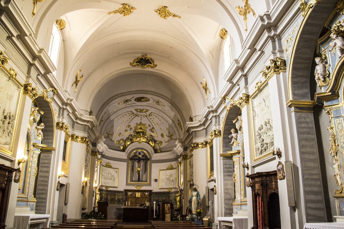 The baroque interior of the church of San Antonio in Giulianova in Abruzzo, Italy  9446