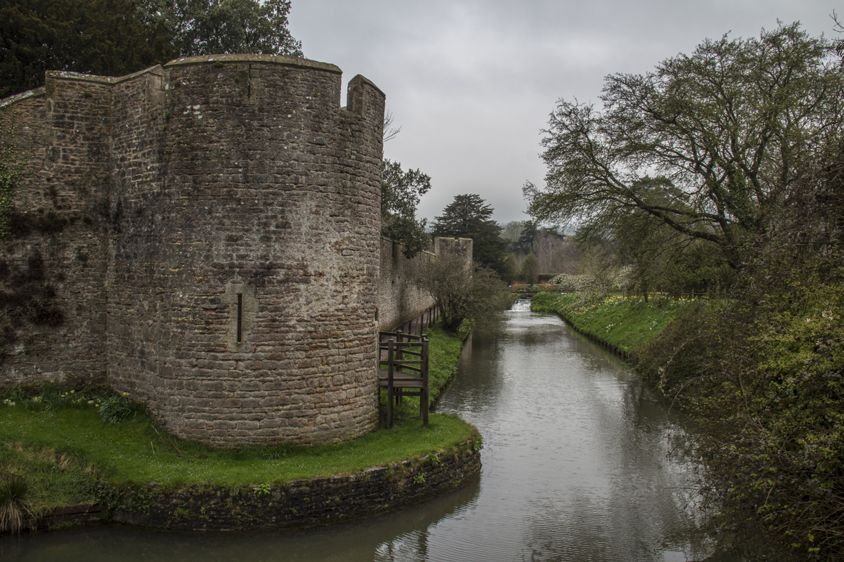 Walls and moat surrunding the Bishop's Palace in Wells, Somerset, England  5558
